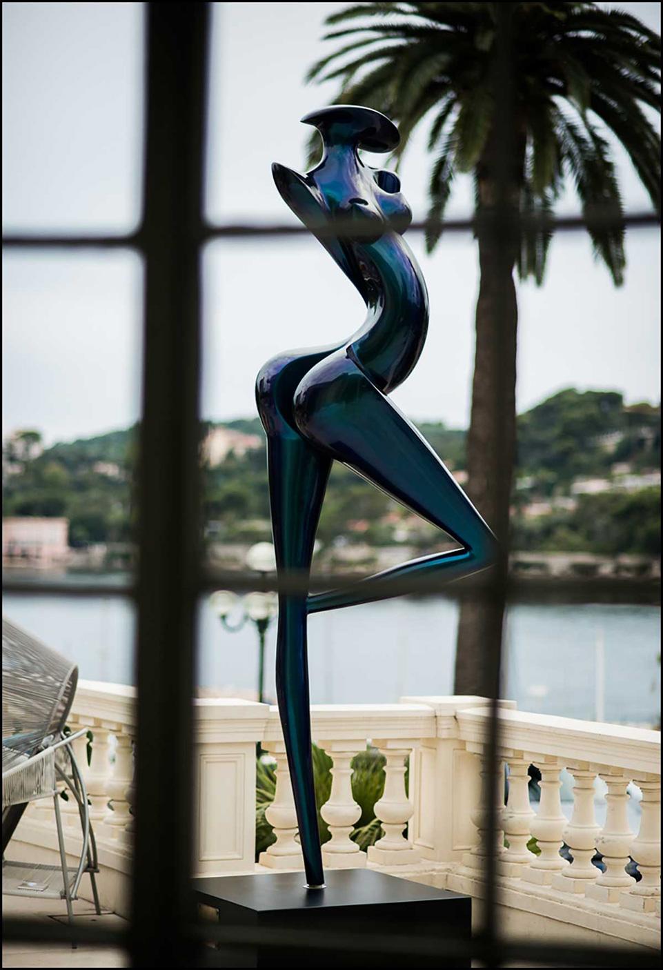 Carbon Monumental Sculptur La grande Danseuse of Marion Bürklé