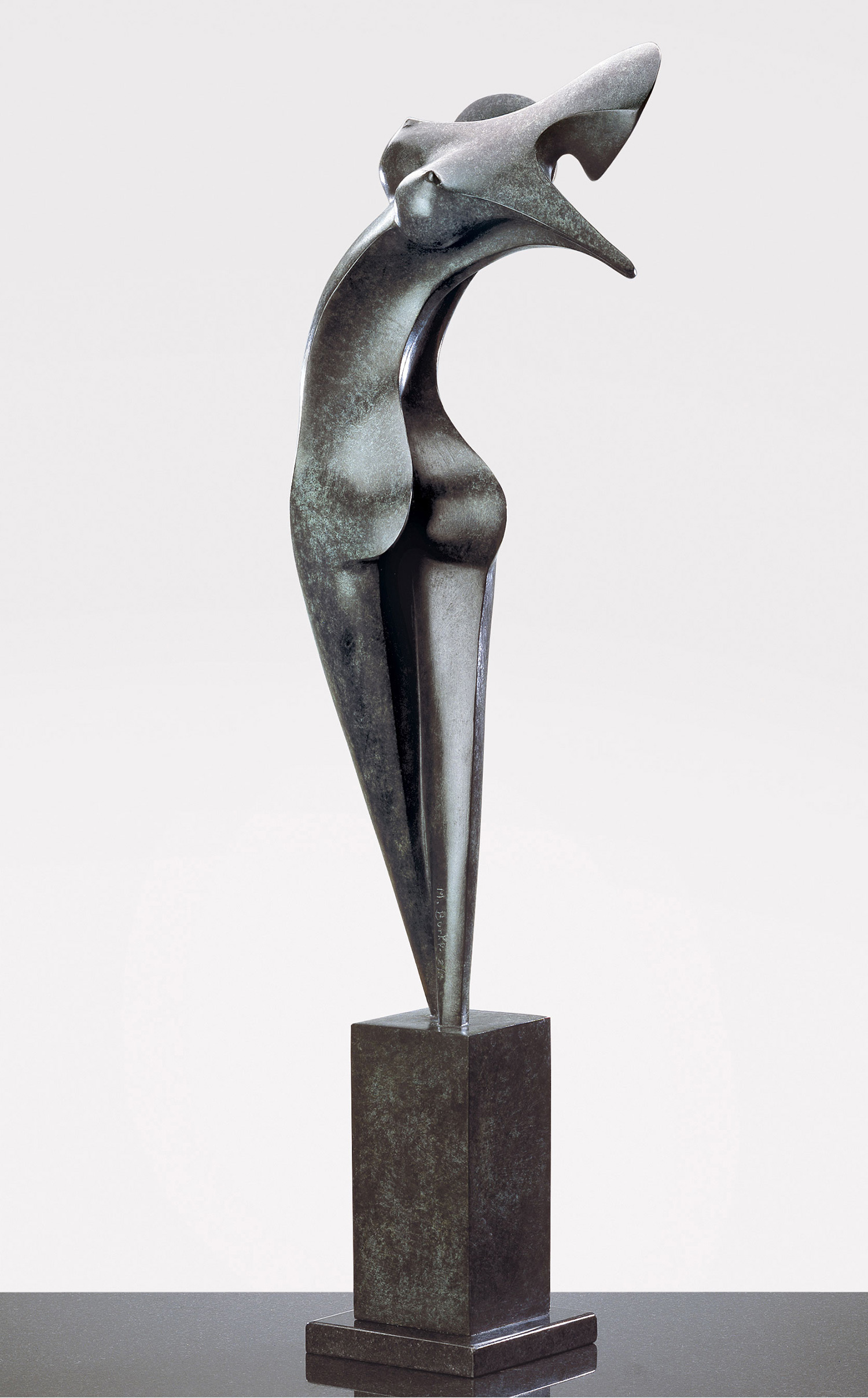 Nina, Bronze sculpture signed by the artist Marion Bürklé